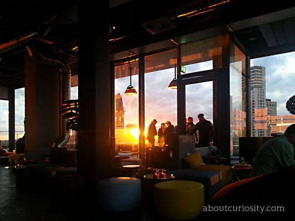monkey bar berlin about curiosity. Black Bedroom Furniture Sets. Home Design Ideas