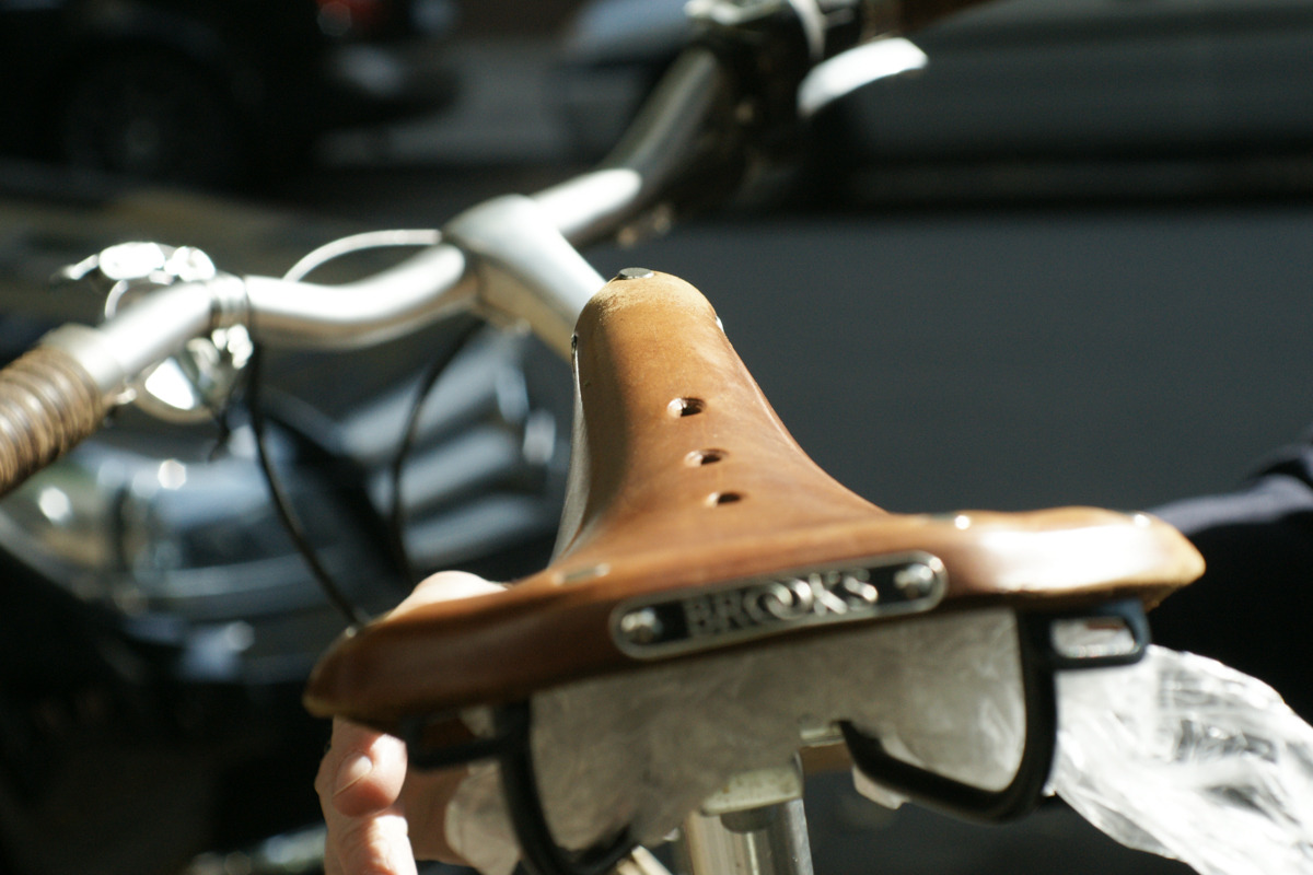brooks leather saddle