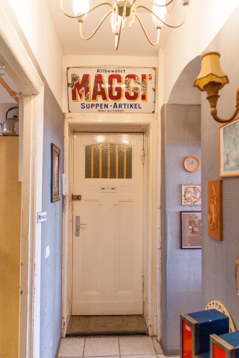 Ekstase Vintage Furniture Berlin Maggi Sign